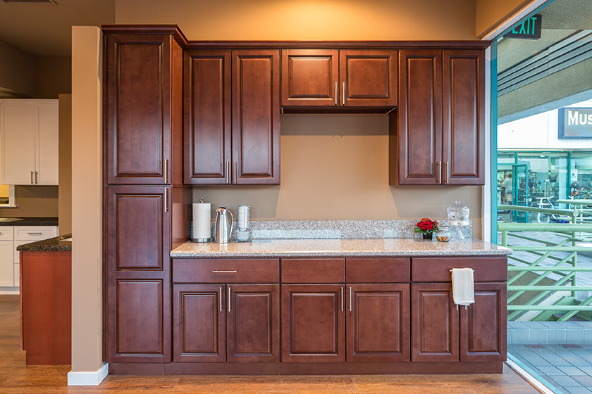Kingston brown kitchen cabinets will make your kitchen a for Kitchen design kingston